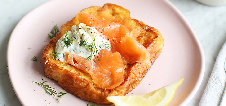Recipe: French toast with smoked salmon and crème fraiche