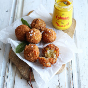Recipe: stuffing bombs with melted Fontina cheese