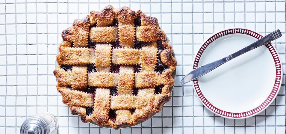 Recipe: Boozy blueberry Pie