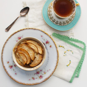 Recipe: tea and pear-baked oatmeal
