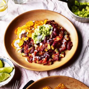 Recipe: Mexican veggie chilli with sweet potato nachos and guacamole